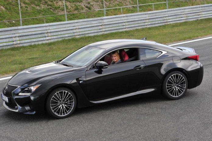 Klaudia Podkalicka i Lexus
