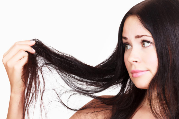 Kobieta i długie włosy