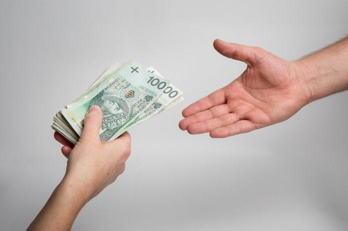 pozyczanie pieniędzy w rodzinie zasady