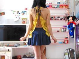 bluzka z dekoltem na plecach