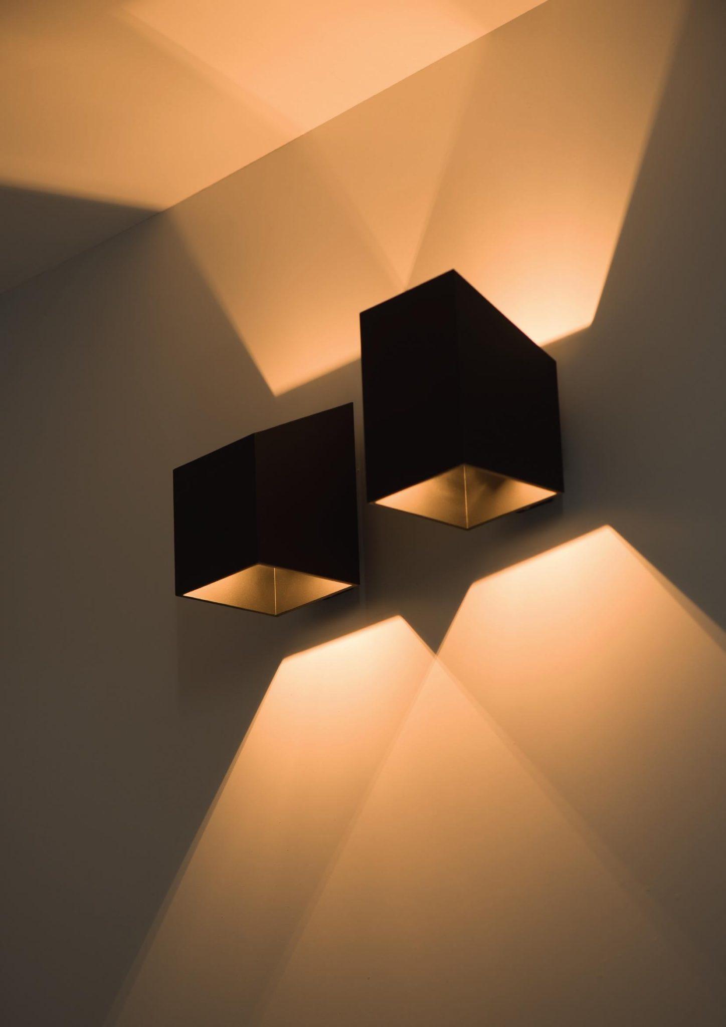 Lampy ścienne - kolor złota i czarny