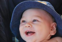 Ząbkujące niemowlę