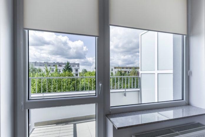 Rolety wewnętrzne w oknie