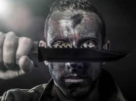 Mężczyzna z nożem