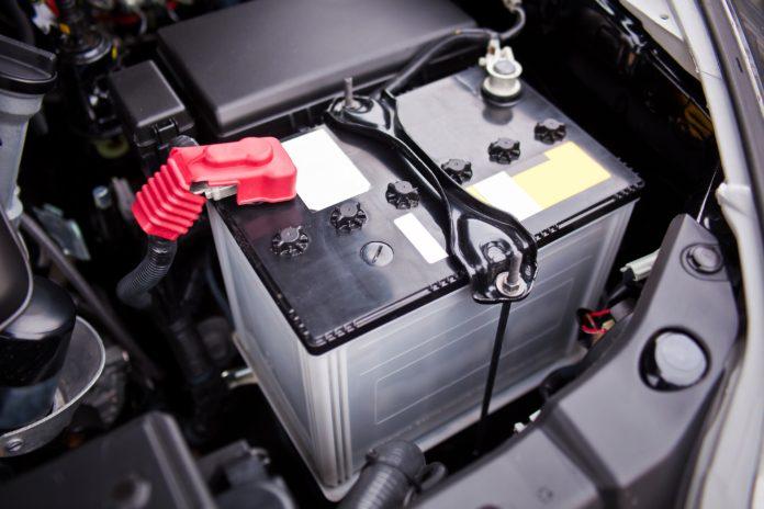 Akumulator w samochodzie