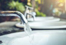 Czysta woda z kranu