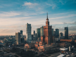 Atrakcyjna turystycznie Warszawa