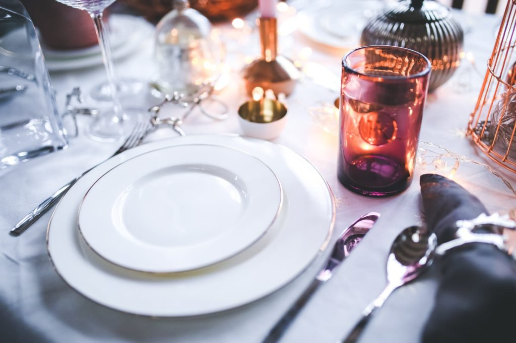 Elegancko nakryty stół