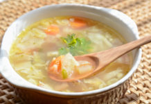 Pyszna i zdrowa zupa kapuściana