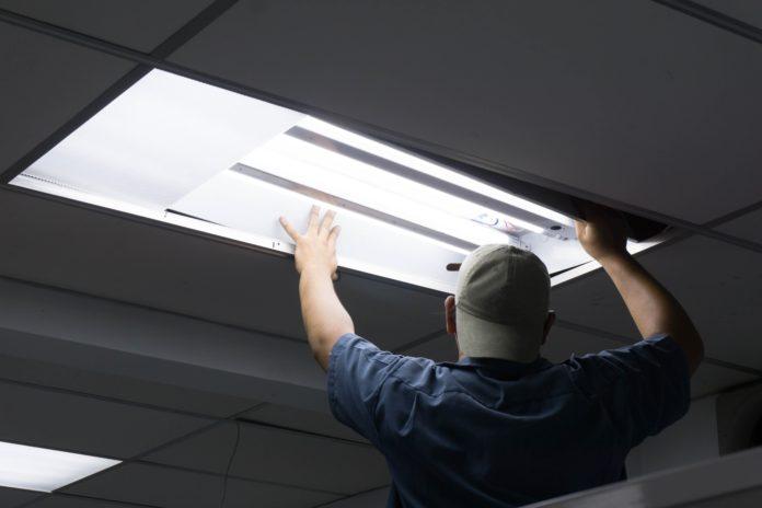 montaż świetlówek led