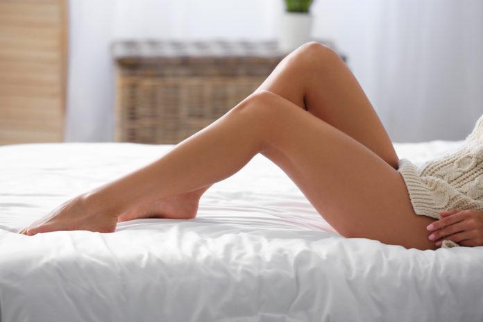 piękne i gładkie nogi