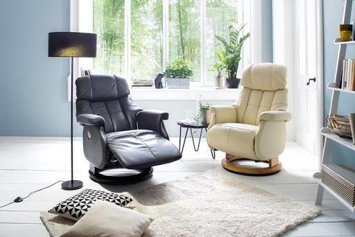 Dwa fotele wypoczynkowe czarny i beżowy