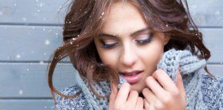 umalowana kobieta zimą