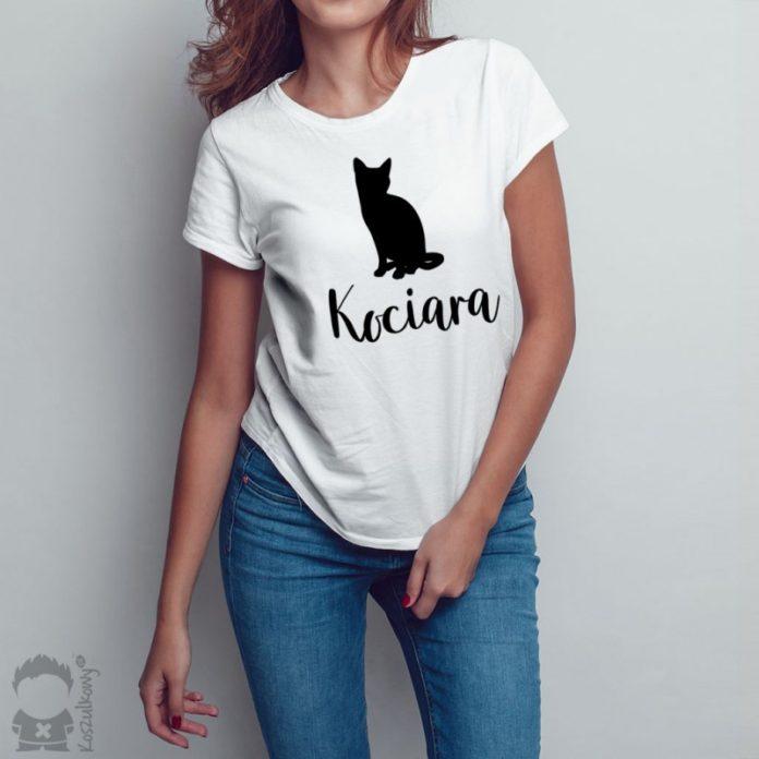 Kreatywne i niebanalne wzory t-shirtów dla kobiet w każdym wieku