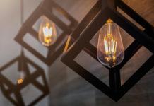 nowoczesne lampy podsufitowe drewniane