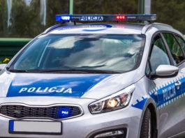 zbliżenie na samochód policyjny