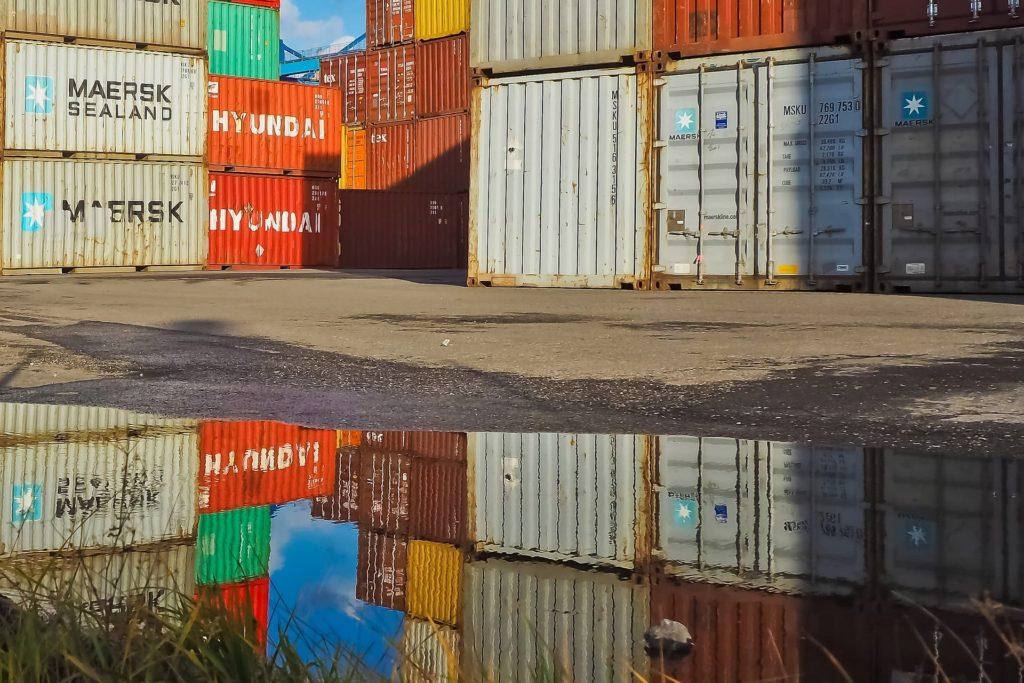 kontenery import oświetlenia ledowego