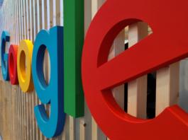 napis Google na ścianie