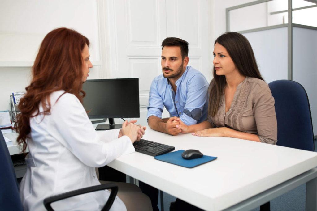 para na wizycie u lekarza od niepłodności