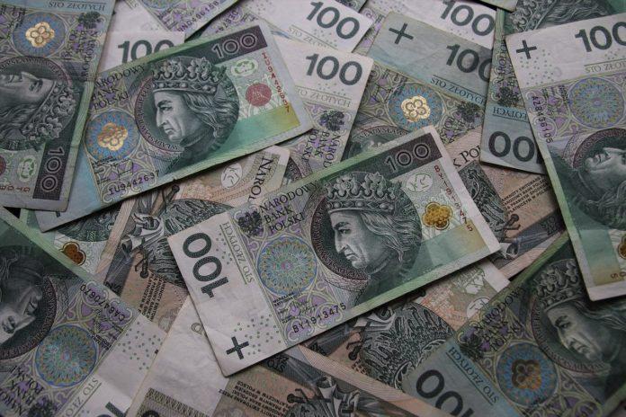 banknoty 100 zł PLN