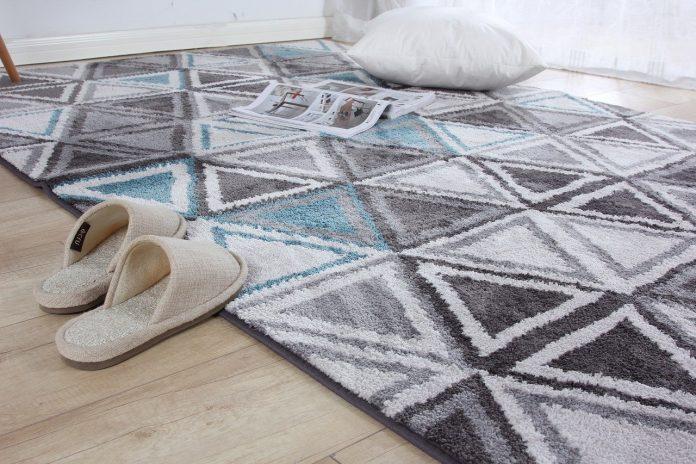 dywan w geometryczny wzór