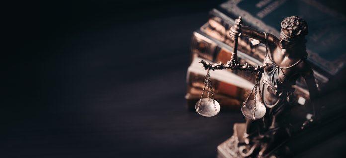 figurka sprawiedliwość