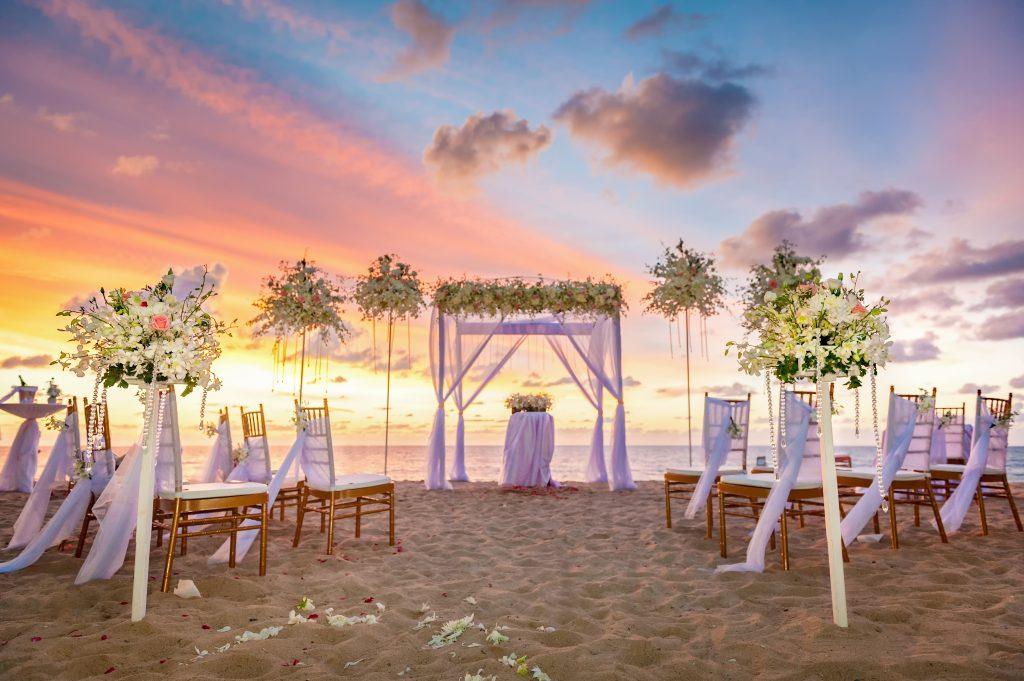 plaża dekoracje ślubne