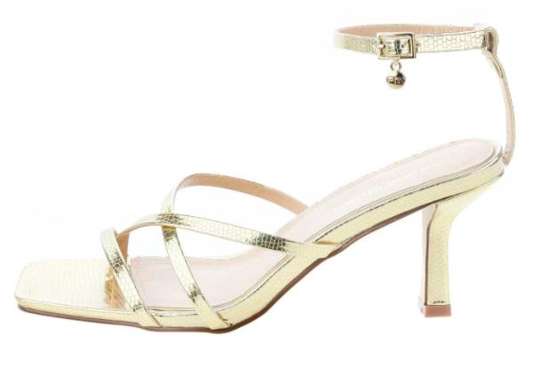 Złote i srebrne sandały na obcasie