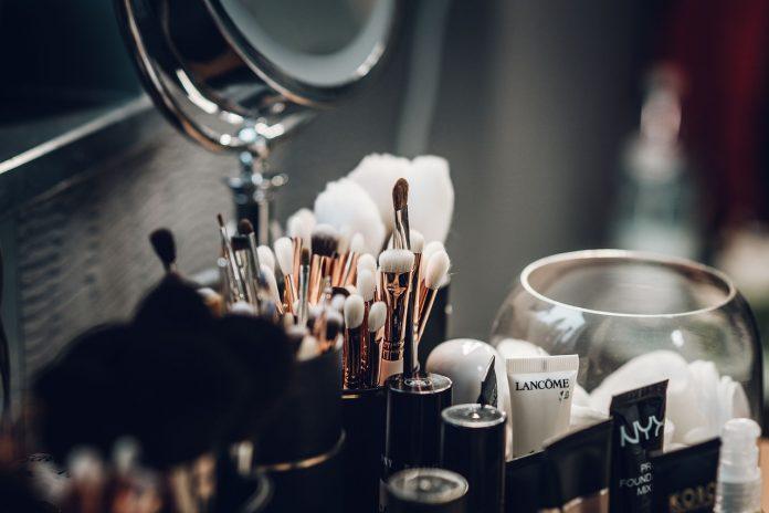 kosmetyki pędzle do makijażu