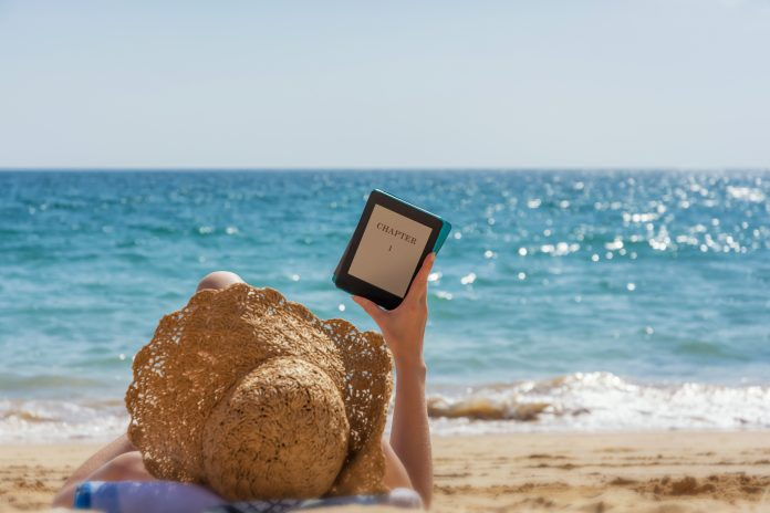 7 idealnych e-booków na wakacje