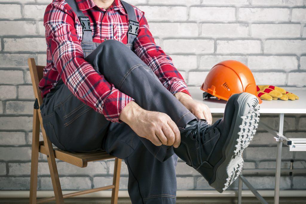 pracownik buty ochronne